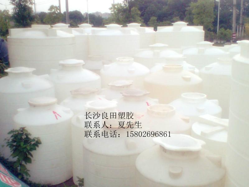 供应专业生产20吨PE水塔,专业生产20吨PE水塔厂家