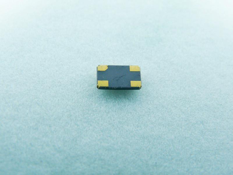封装6035贴片晶振25.00MHz石英晶体压电材料