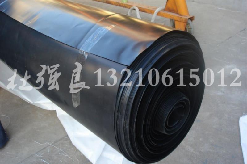供应山东聚乙烯土工膜厂家直销 土工防渗材料复合膜HDPE土工膜技术指