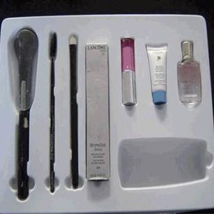 低价优质化妆品吸塑盒图片