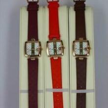 供应两针石英机芯时尚女士皮带手表