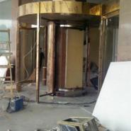 甘肃环柱旋转门制作安装,环柱旋转门价格底质量好,当属兰州创金泽门业