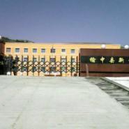 榆中县新营中学电动伸缩门图片