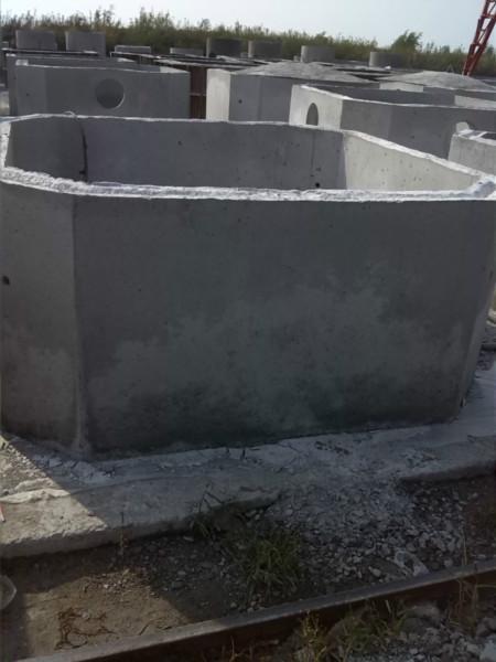 碾子山方形钢筋砼预制化粪池检查井图片