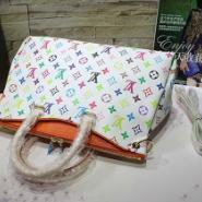 新款LV白三彩Pallas手袋图片