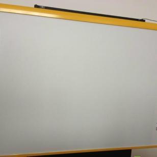 82寸电子触摸白板图片