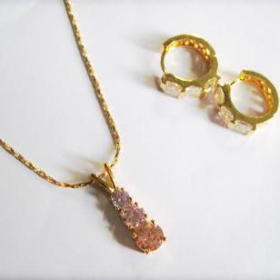 18K镀金锆石铜制项链图片