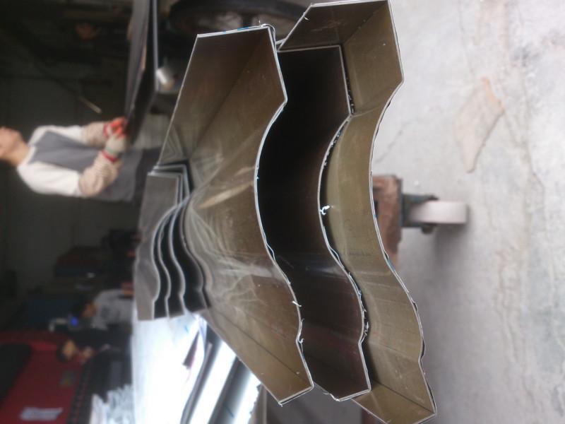 供应山西大同ktv工程不锈钢装饰线条 天花吊顶不锈钢包边条 高清图片