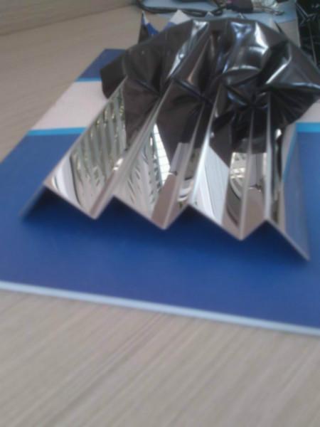 供应不锈钢线槽系列产品/不锈钢压边条/V型槽来图厂家定做