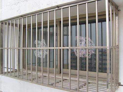 不锈钢防护栏 首选北京富鑫门窗建筑有限公司图片