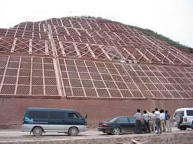 供应挡土墙施工工艺标准及施工要点 江西护坡挡墙施工队