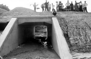 供应江西赣州市专业涵洞施工队 护坡绿化土石方机械施工队电话