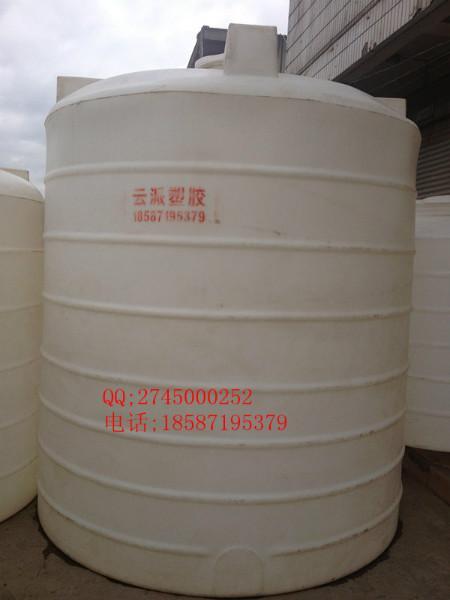 供应云南塑胶储罐/云南塑料水塔图片