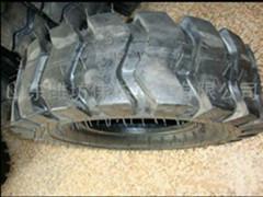 铲车轮胎1200-16图片