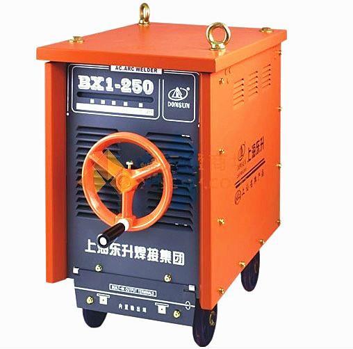 施工现场交流电焊机 施工现场电焊机摆放 施工现场电焊机防雨罩图片