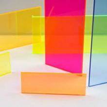 防静电亚克力板,压克力板有着塑胶水晶之称