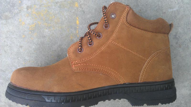 供应黄棕色反绒牛皮棉安全鞋