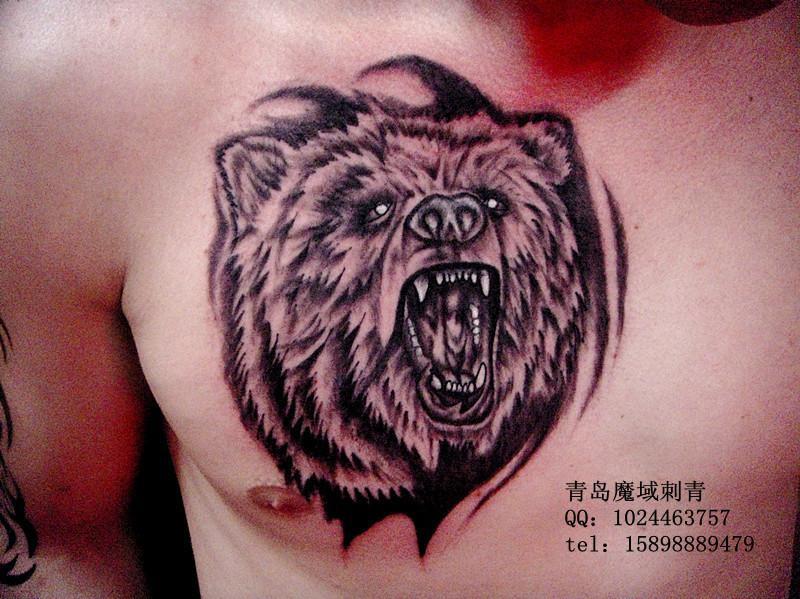 青岛纹身,来自俄罗斯的顾客,来纹身的时候带着翻译