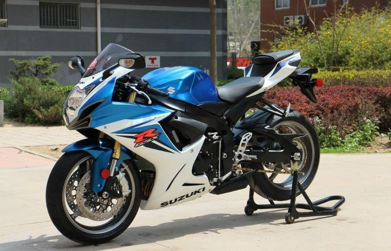 铃木750摩托车图片