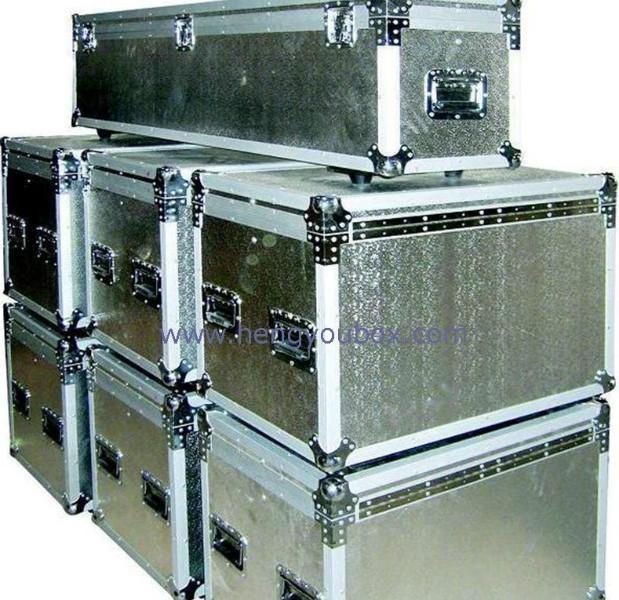 供应银色铝合金展示箱