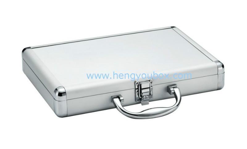 供应银色铝合金箱子