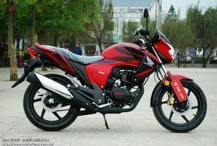 五羊本田幻影150cc摩托车图片
