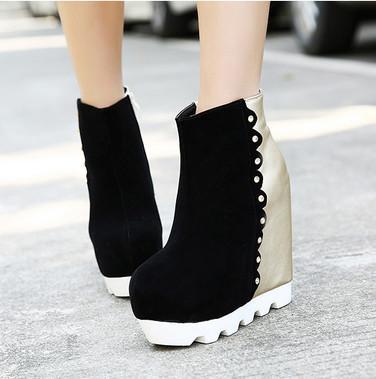 供应韩版拼色马丁靴厚底坡跟女短靴PU防滑单靴性感时尚13cm超高跟女