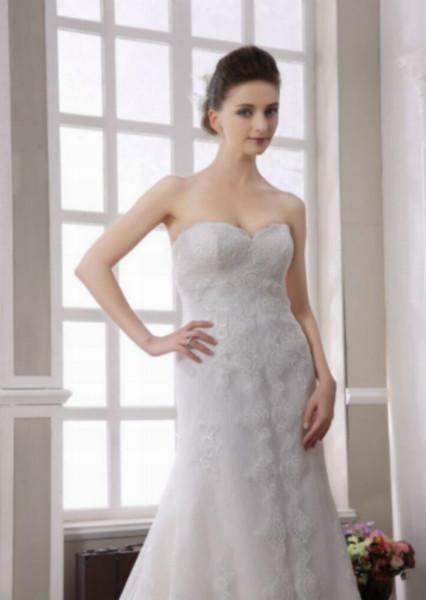 广州婚纱礼服定做 品牌婚纱礼服定做 名尚莎婚纱礼服公司