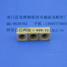 每年专业生产大大小小木盖香水瓶木盖、大量供应