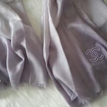 供应香奈儿新款羊绒长围巾简约披肩围巾