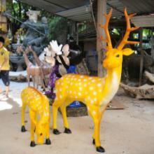 供应广州玻璃钢雕塑精品梅花鹿园林摆件 欢迎前来订购批发