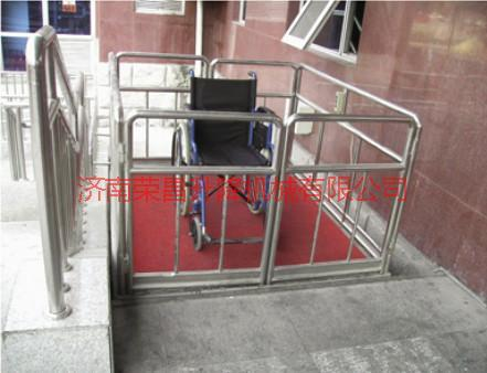 供应无障碍式升降机 液压升降货梯 成都升降设备 单立柱铝合金升降机 多立柱铝合金升降机