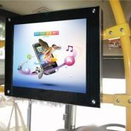 17寸液晶车载广告机图片