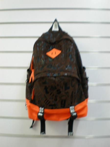 供应厂家直销帆布双肩背包,欧美流行旅游专用包。休闲包
