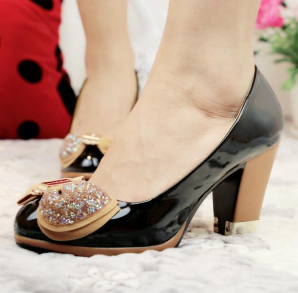 供应步珊品牌韩版单鞋蝴蝶结坡跟单鞋水钻日系单鞋欧美风情潮爆款