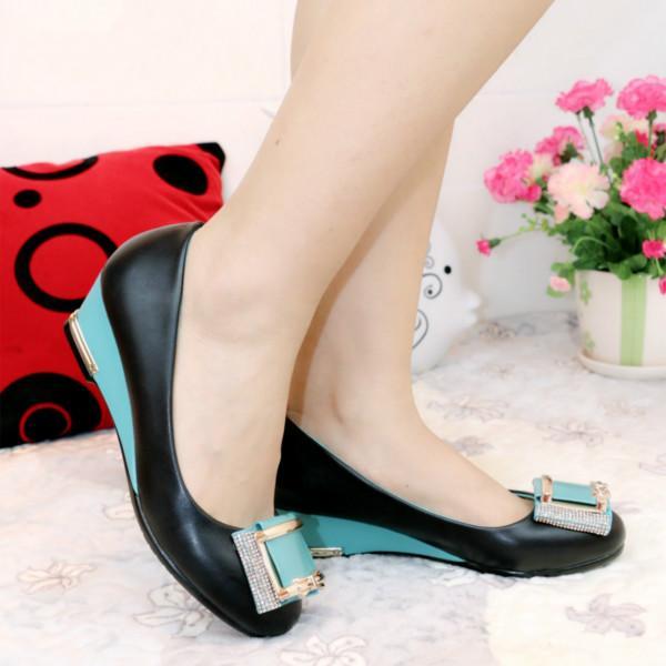 供应步珊品牌坡跟单鞋女甜美日系单鞋女式坡跟单鞋新款单鞋坡跟