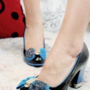 步珊品牌新款蝴蝶结粗跟高跟单鞋图片