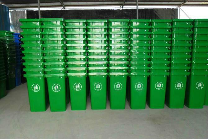 供应室内外垃圾桶批发,小区塑料桶出厂价钢板垃圾桶钢木桶不锈钢桶