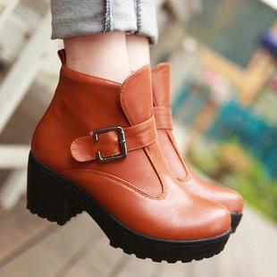马丁/供应欧美朋克马丁靴机车靴圆头高跟短靴皮带扣女靴子图片