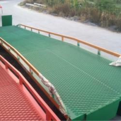 供应汕头登车桥生产厂家 移动裝卸平台
