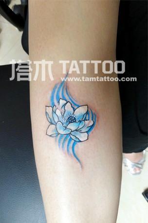 手臂花纹身图片