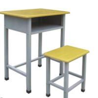 供应学生课桌椅厂家直供,课桌椅钢管厚度多少,课桌椅材质规格尺寸