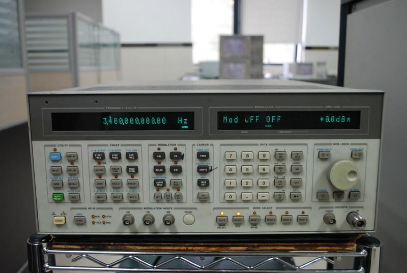 供应安捷伦8665B信号发生器,维修8665B信号发生器,信号发生器