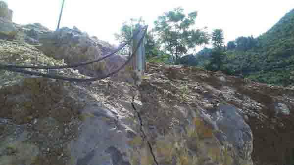 供应金矿采掘机械劈石器,金矿开采设备液压劈石器