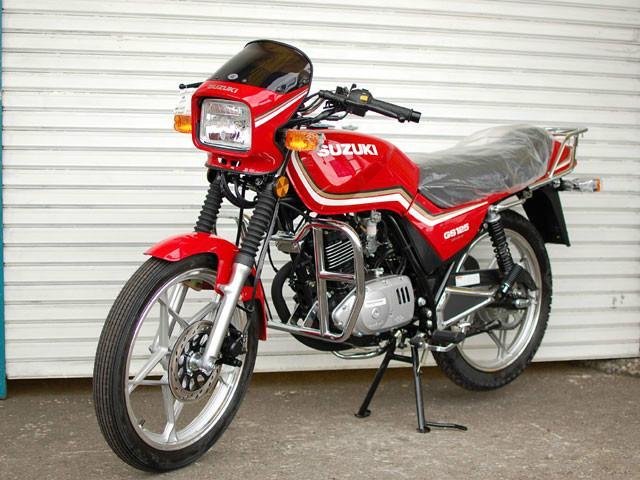 轻骑铃木GS 125高清图片