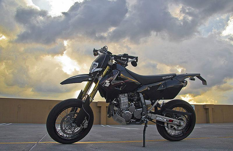 请问这是铃木越野摩托车哪款售价多少?