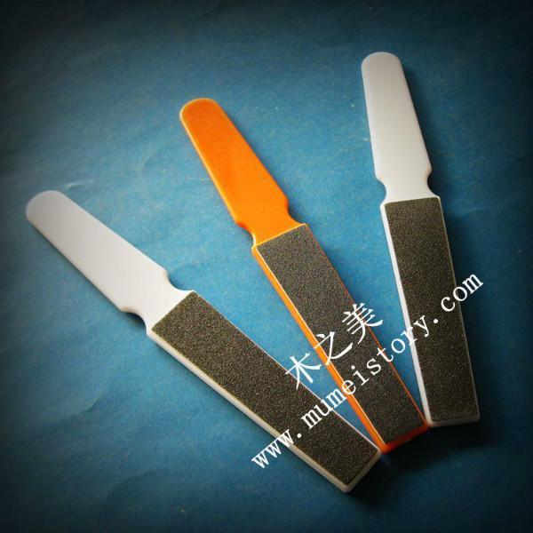 供应指甲锉塑料脚板锉足部修甲器 木之美指甲锉塑料脚板锉足部修甲器脚搓