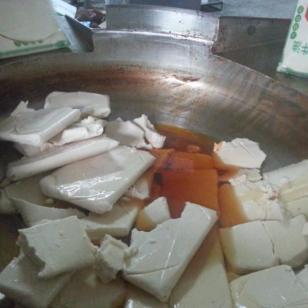 野生菌汤火锅底料图片