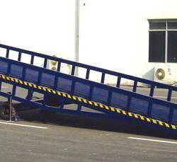 供應登車橋、本溪集裝箱裝卸平台、本溪移動登車橋那裏好