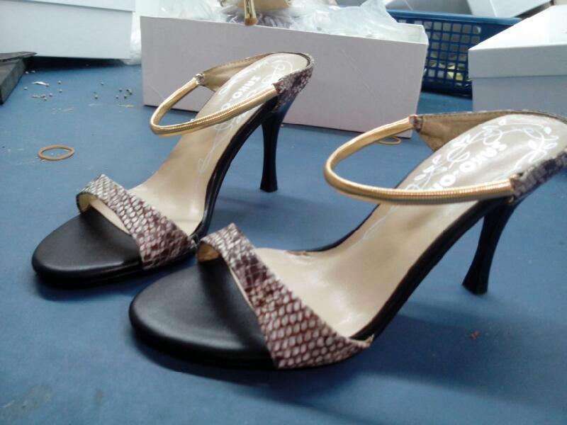 供应619-1蛇纹皮凉鞋
